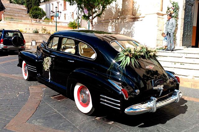 alquiler de Cadillac Serie 61 Especial Negro 1941