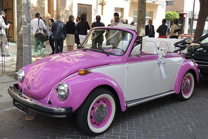 volkswagen vw beetle escarabajo cabrio descapotable 1974 rosa blanco alquiler de coches para bodas eventos y rodajes en alicante jjdluxe cars