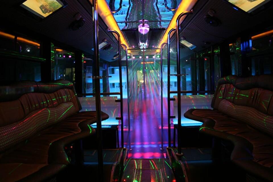 alquiler de discobus en alicante transfers despedidas soltera fiestas cumpleanos eventos 50 personas jj dluxe cars 6