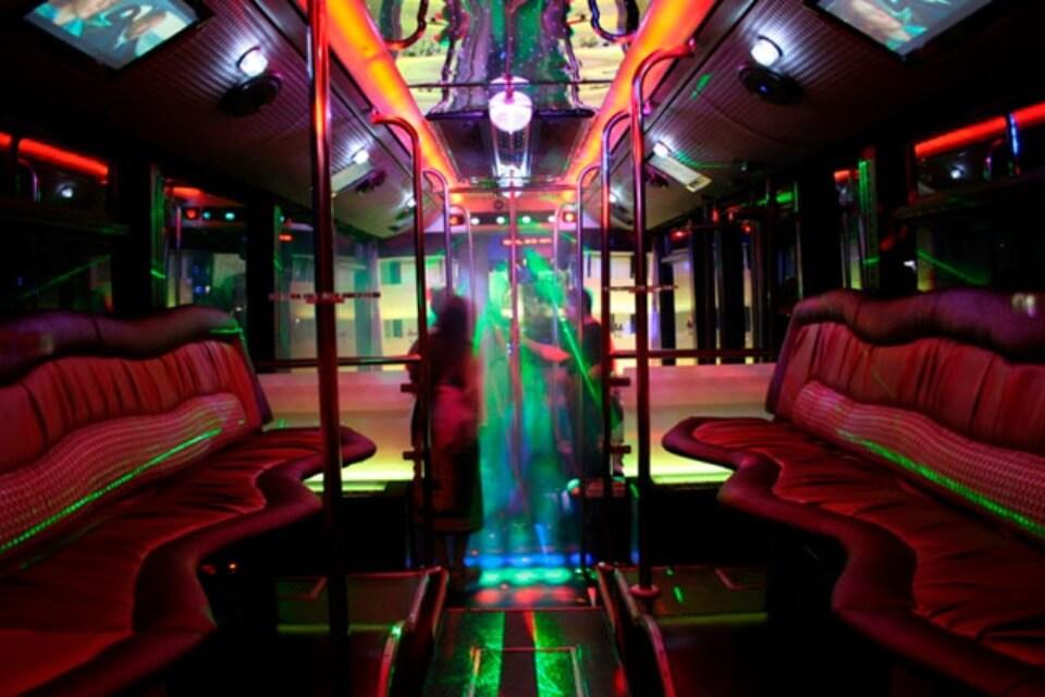 alquiler de discobus en alicante transfers despedidas soltera fiestas cumpleanos eventos 50 personas jj dluxe cars 7