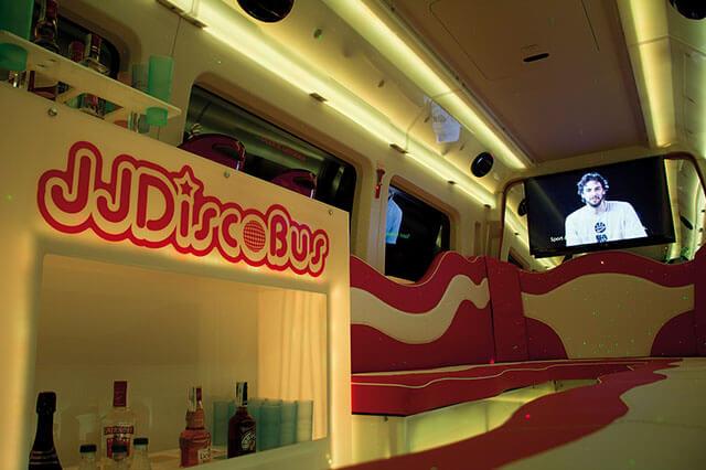 alquiler de discobus rosa en alicante transfers despedidas soltera fiestas cumpleanos eventos 21 personas jj dluxe cars 5