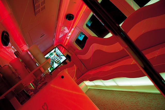 alquiler de discobus rosa en alicante transfers despedidas soltera fiestas cumpleanos eventos 21 personas jj dluxe cars 8