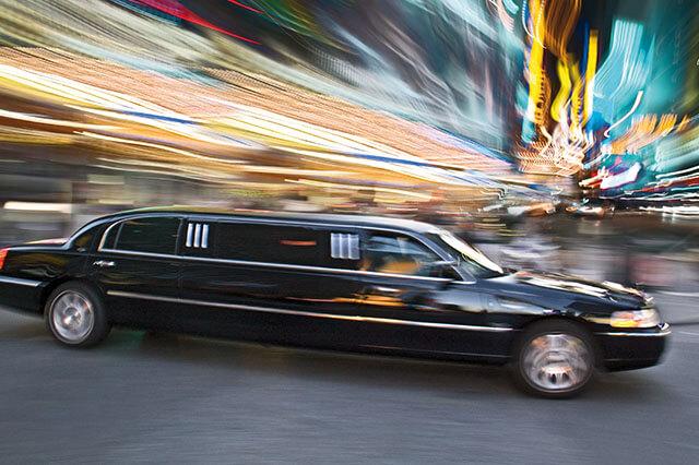 alquiler de limusina negra en alicante lincoln town 9 bodas eventos rodajes jj dluxe cars