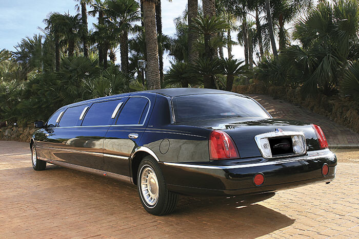 alquiler de limusina negra en alicante lincoln town 9 bodas eventos rodajes jj dluxe cars portada