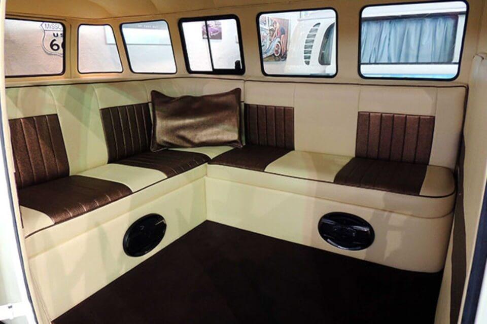 alquiler de furgoneta volkswagen hippie kombi t1 blanca negra en alicante bodas eventos rodajes jj dluxe cars interior