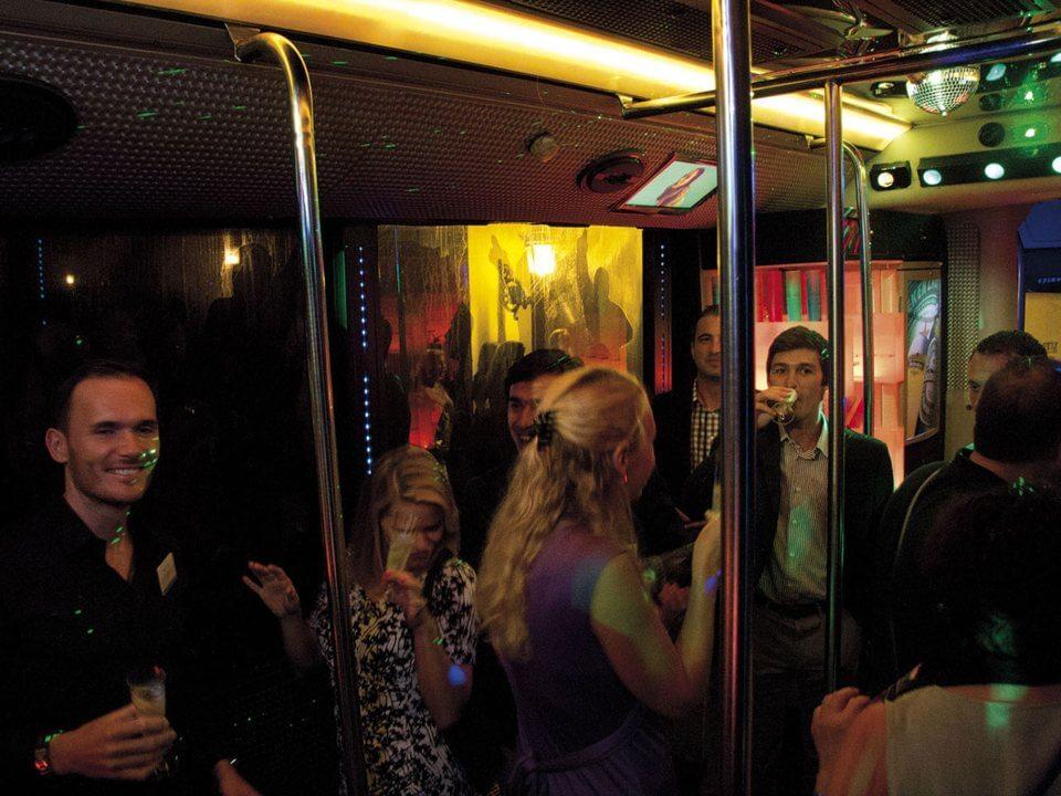 alquiler de discobus en alicante despedidas soltera fiestas cumpleanos eventos jj dluxe cars 6